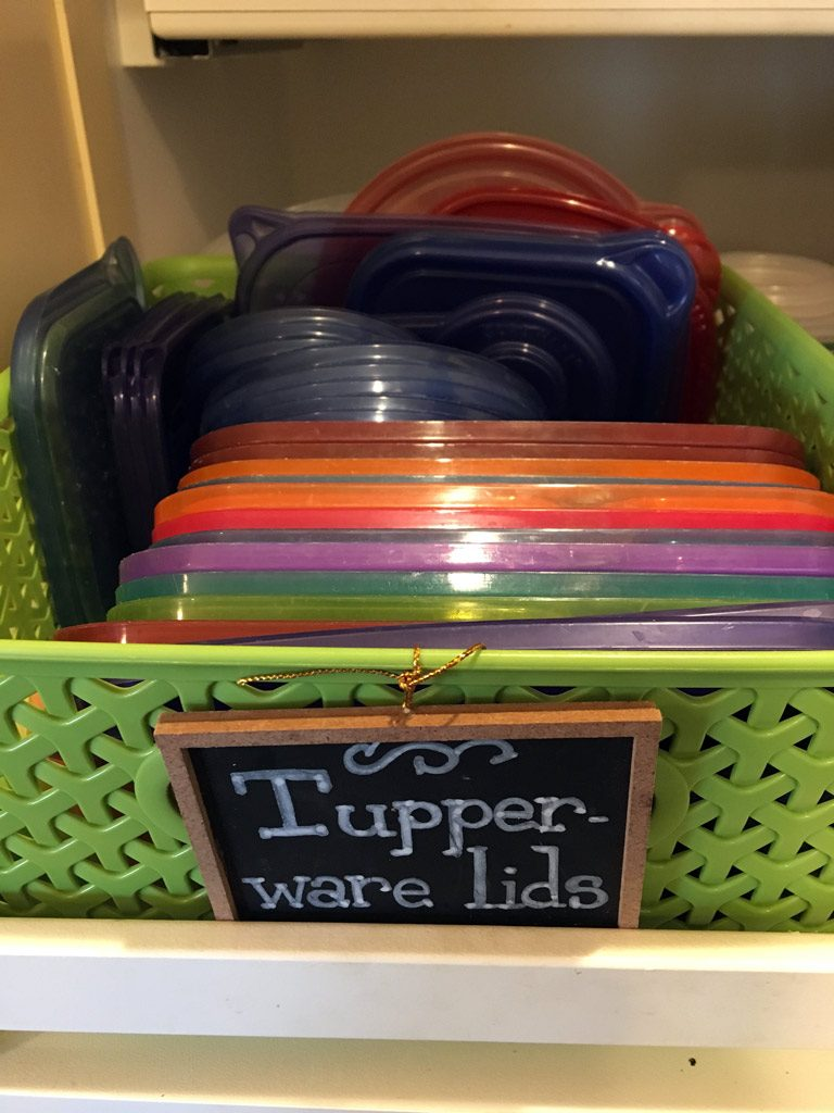 tupperware-lids