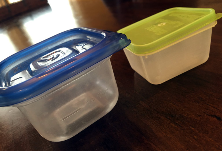 mini-dippers-ziplock-tupperware-comparison-768x521
