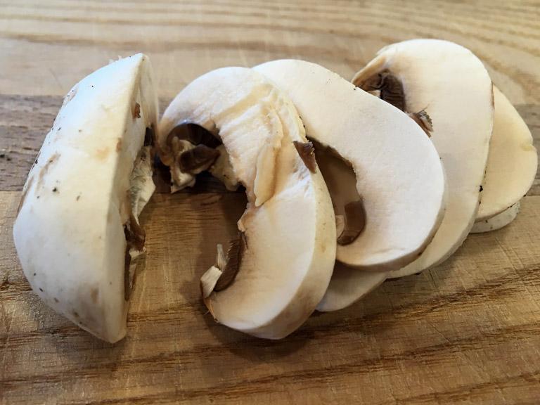 mushroom-slices-768x576