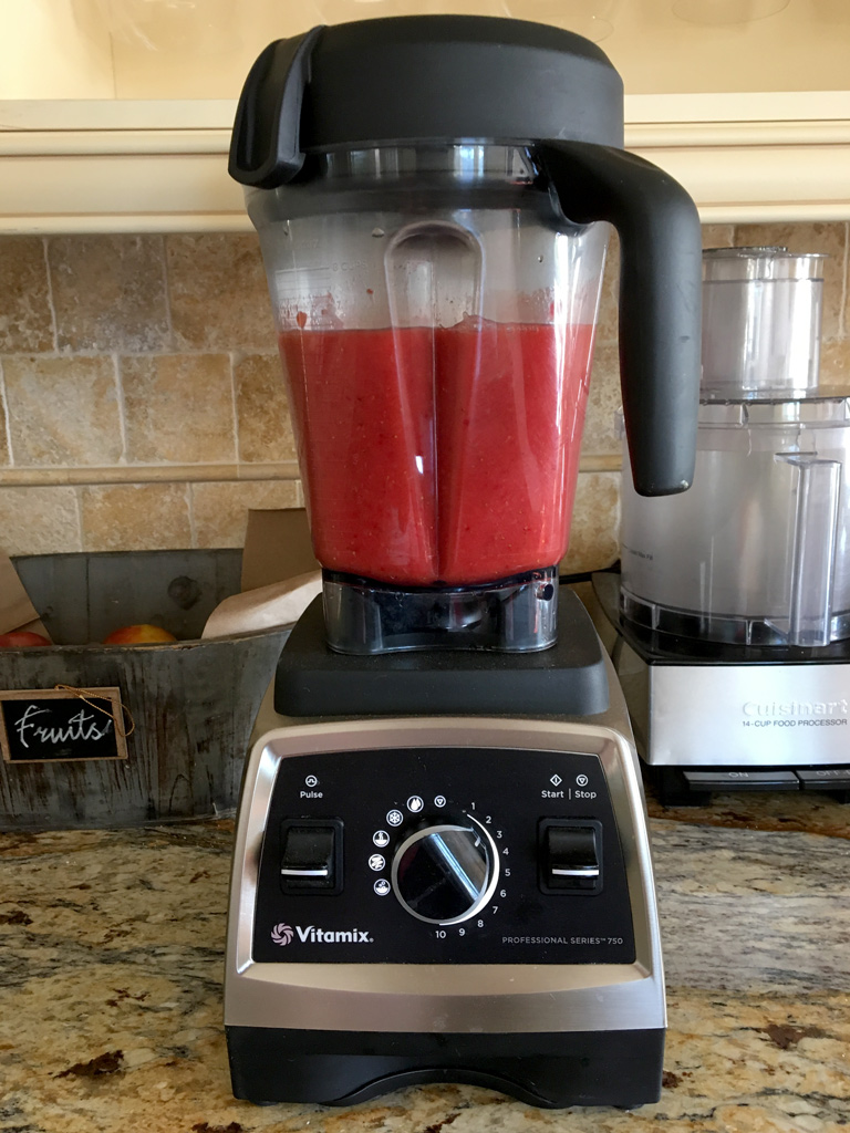 vitamix-blender-strawberry-puree